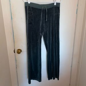 Green Juicy Couture velour track pants sze Large.